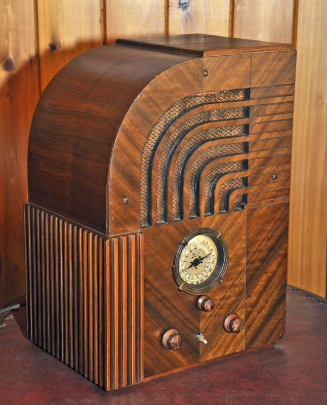 1935 zenith radio worth 4 500. Black Bedroom Furniture Sets. Home Design Ideas