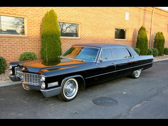 1966 Cadillac Fleetwood Sells For 5 200 00 Greatest