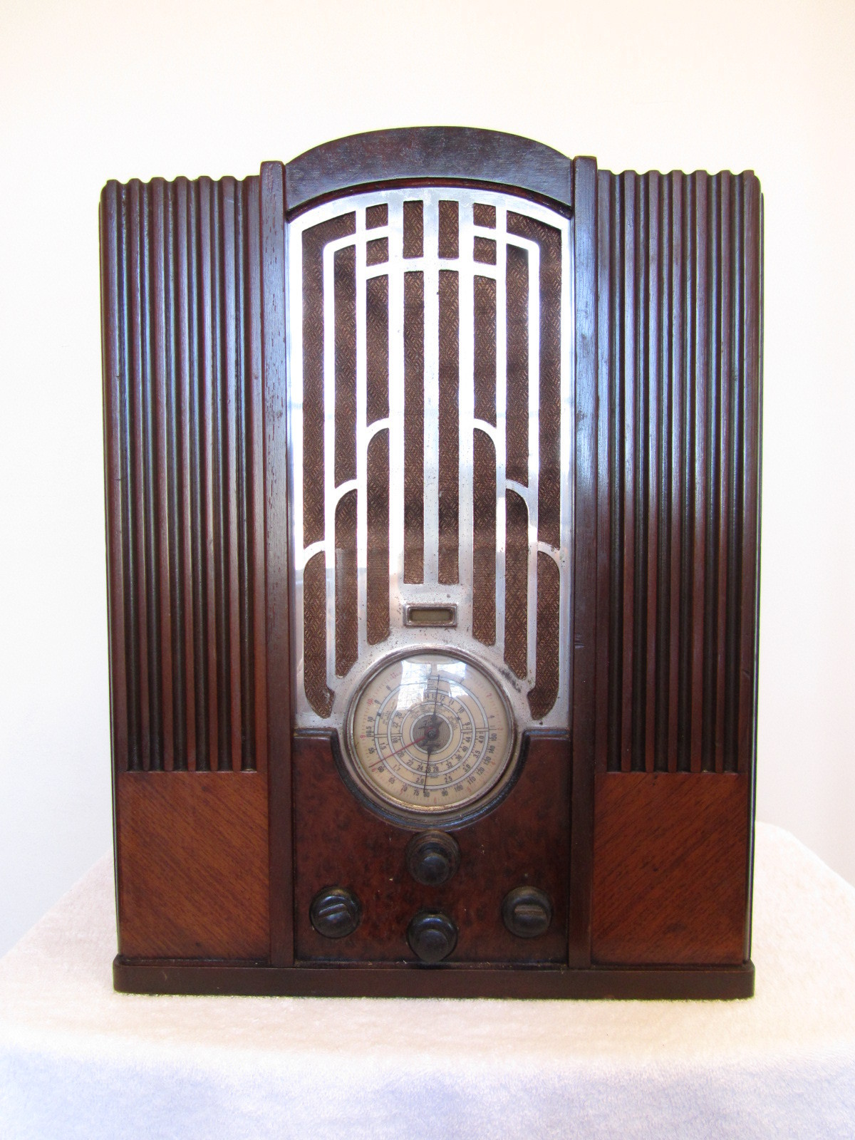 1930s zenith art deco mid century machine age chrome wood tube radio greatest collectibles. Black Bedroom Furniture Sets. Home Design Ideas