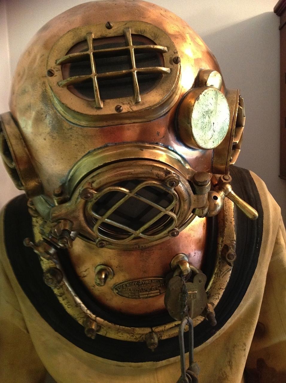 diving suit helmet wwwpixsharkcom images galleries