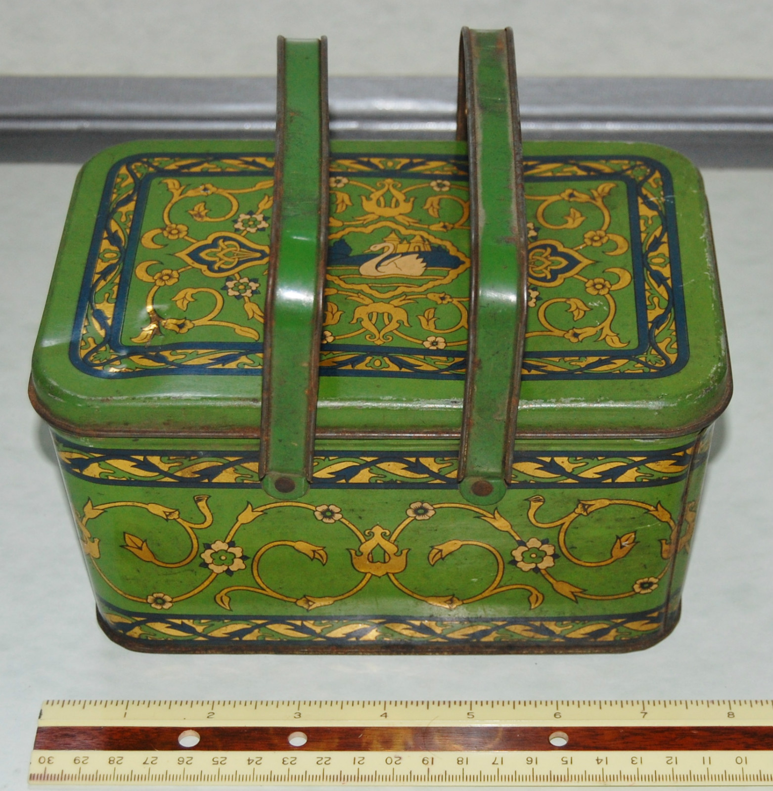 vintage Lunchbox metal